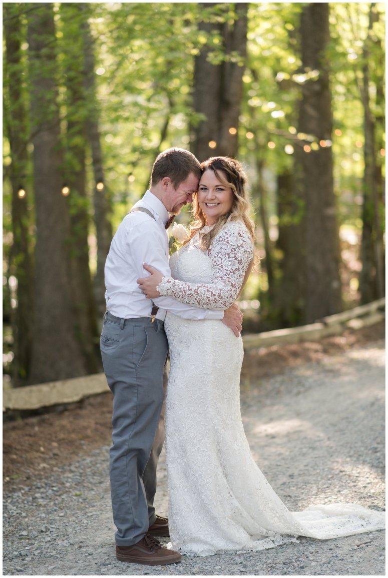Intimate-Rustic-Backyard-Chesapeake-Virginia-Wedding_0705