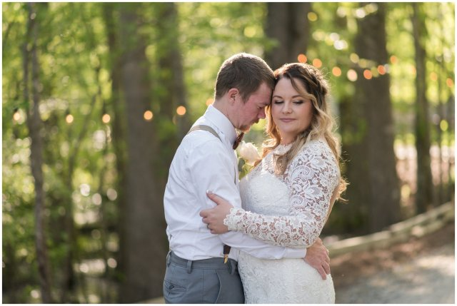 Intimate-Rustic-Backyard-Chesapeake-Virginia-Wedding_0707