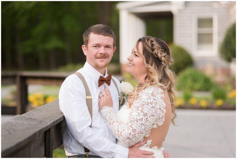 Intimate-Rustic-Backyard-Chesapeake-Virginia-Wedding_0710