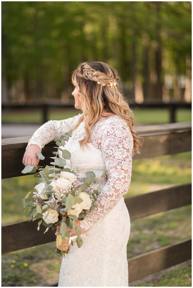 Intimate-Rustic-Backyard-Chesapeake-Virginia-Wedding_0720