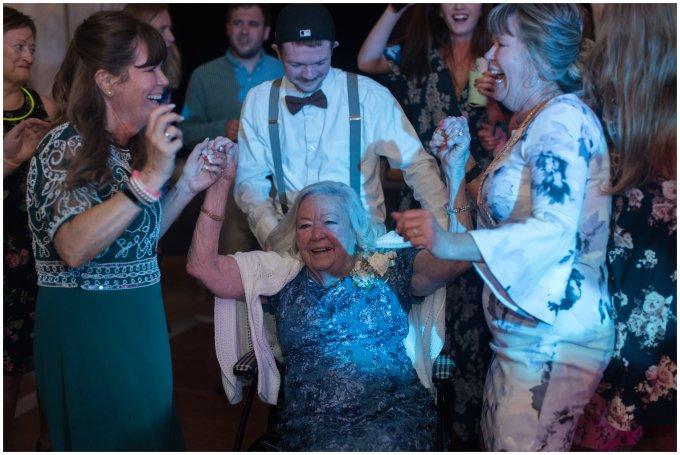 Intimate-Rustic-Backyard-Chesapeake-Virginia-Wedding_0777