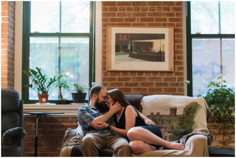 Cozy-In-Home-Downtown-Richmond-Engagement-Session_0917