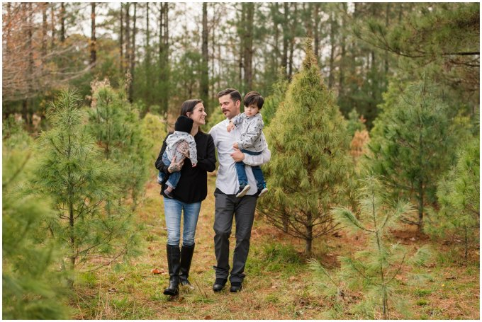christmas-tree-farm-mini-sessions-suffolk-virginia_3010