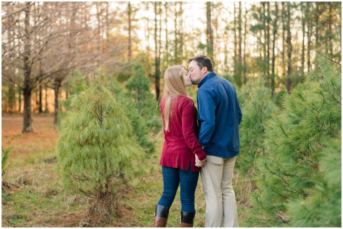 christmas-tree-farm-mini-sessions-suffolk-virginia_3037