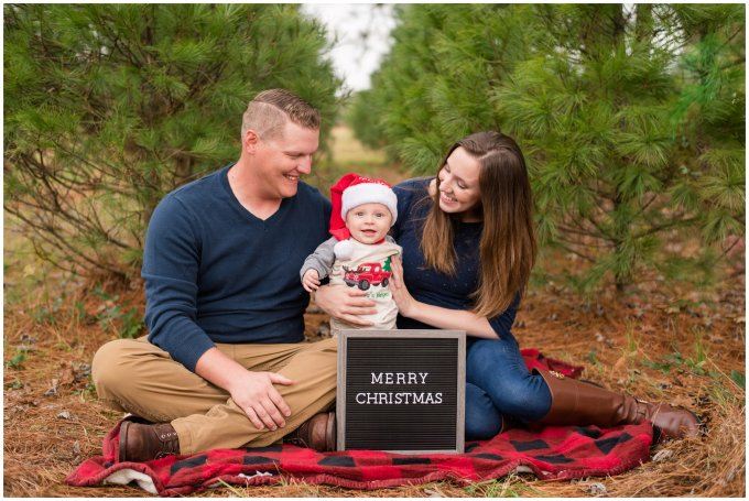 christmas-tree-farm-mini-sessions-suffolk-virginia_3040