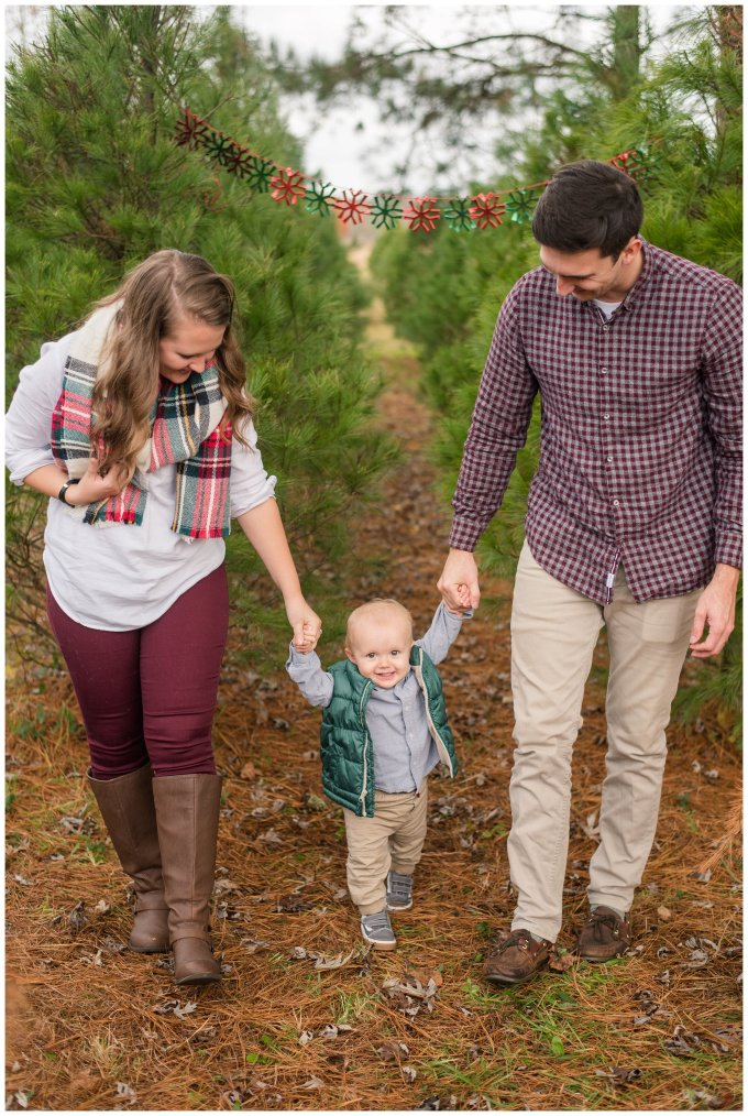 christmas-tree-farm-mini-sessions-suffolk-virginia_3049