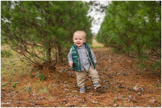christmas-tree-farm-mini-sessions-suffolk-virginia_3053