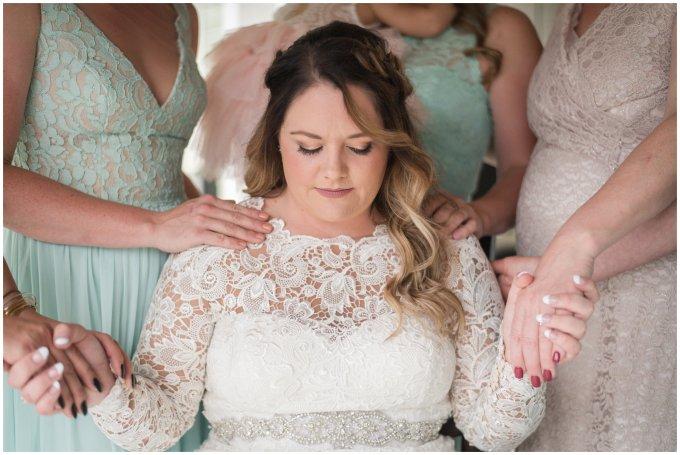 emotional-prayer-virginia-wedding-photographer_3213