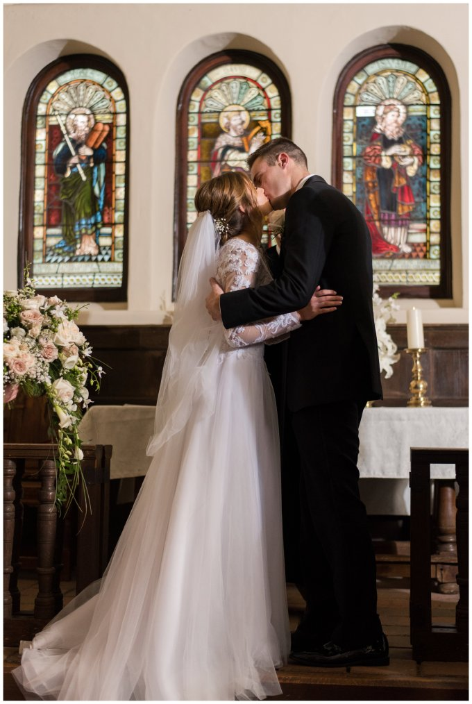 historic-saint-lukes-church-smithfield-virginia-wedding_3099